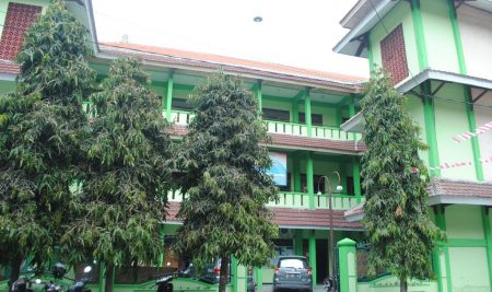 Wisuda Ke-XII Semester Genap Tahun Akademik 2017-2018